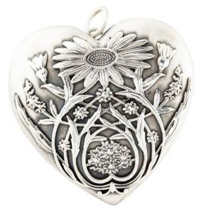 TIFFANY & CO Ziegfeld Daisy Heart Locket Necklace